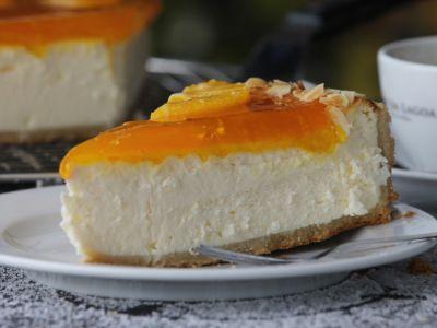 Käsekuchen mit Orangenspiegel